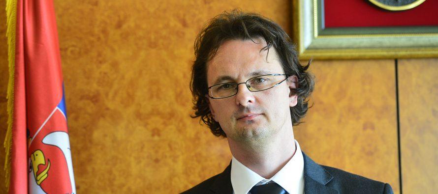 Ministar Verbić: Udžbenici za najsiromašnije