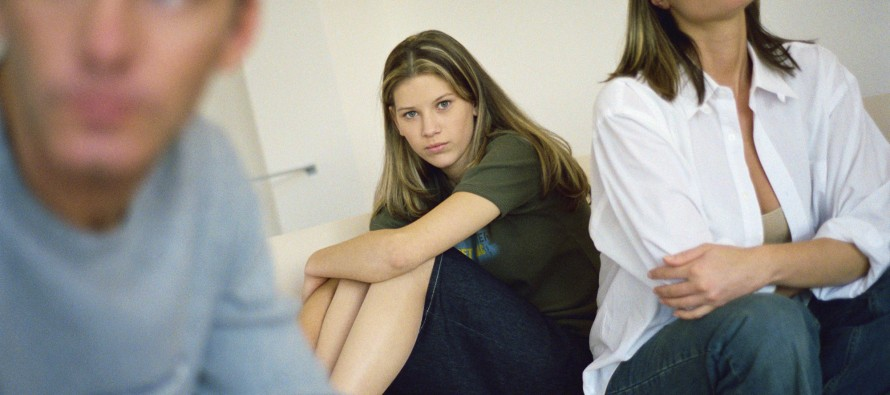 Kako da se izborite sa adolescencijom vašeg deteta?