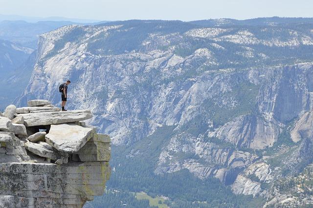 mountain-1031130_640