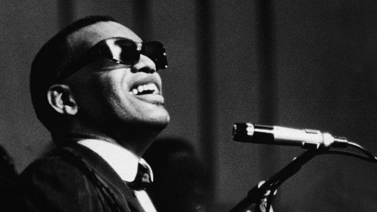 Na današnji dan preminuo Rej Čarls, ikona džez i bluz muzike.