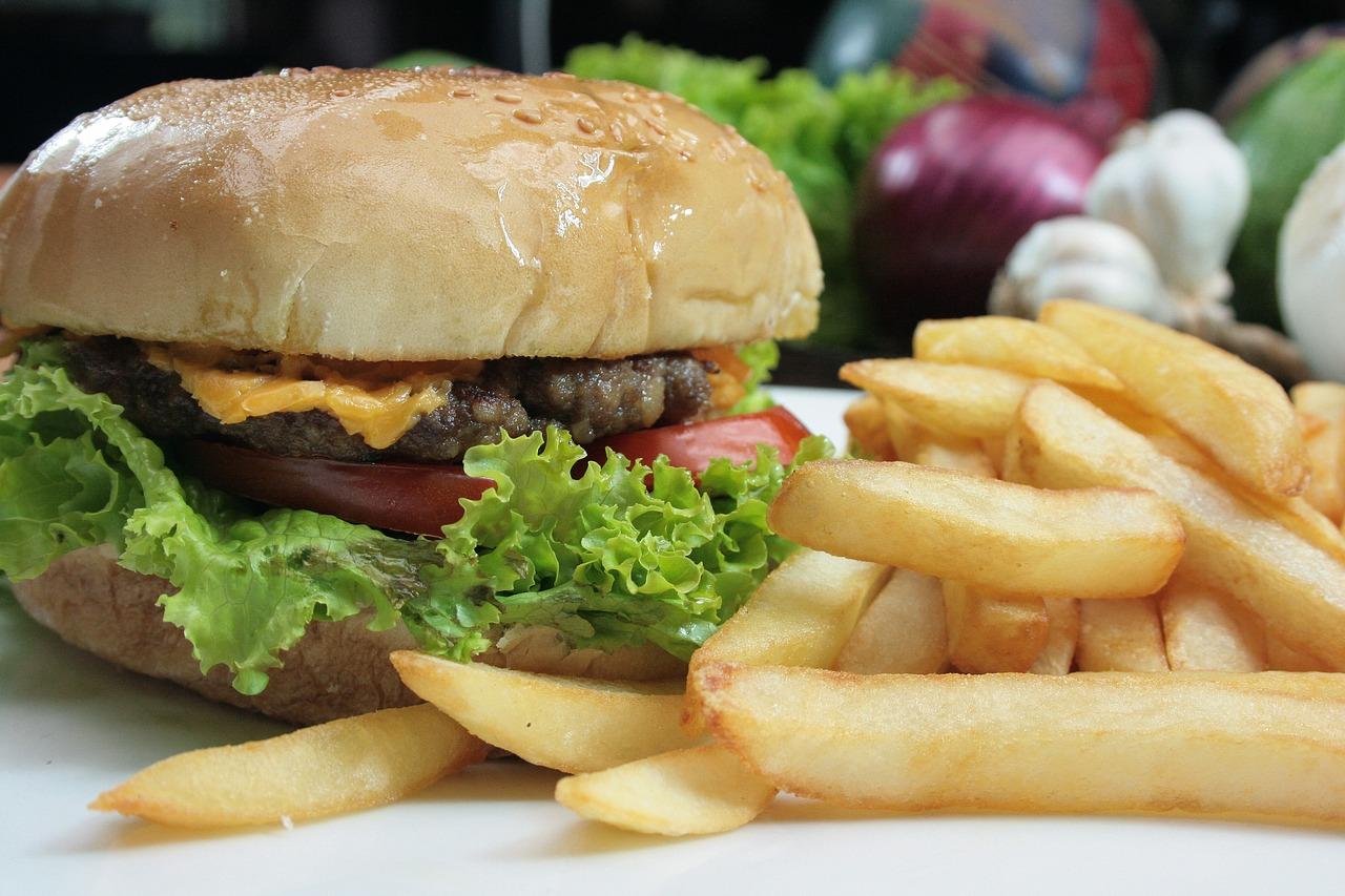 hamburger-i-pomfrit