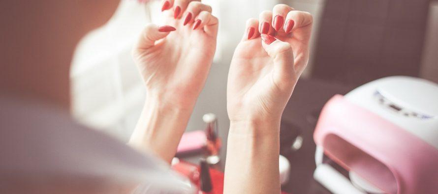 Istorija manikira: 100 godina lepote ženskih noktiju