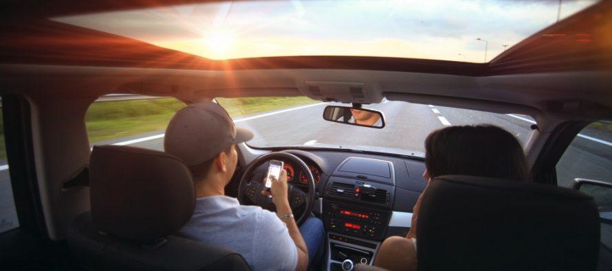 Apple u borbi protiv kucanja poruka tokom vožnje