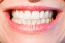 Koje namirnice mogu da zamene četkicu za zube?