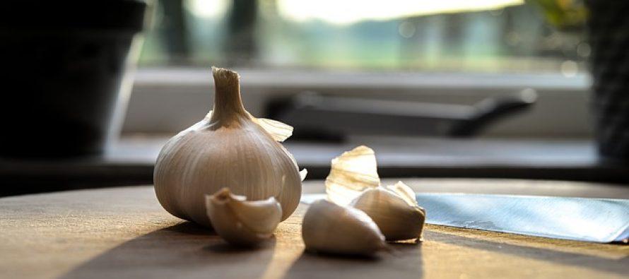 7 razloga zašto treba da jedete beli luk svaki dan!