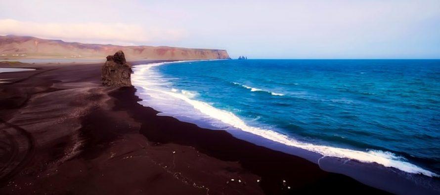 Plaže sa crnim peskom za koje niste znali da postoje!