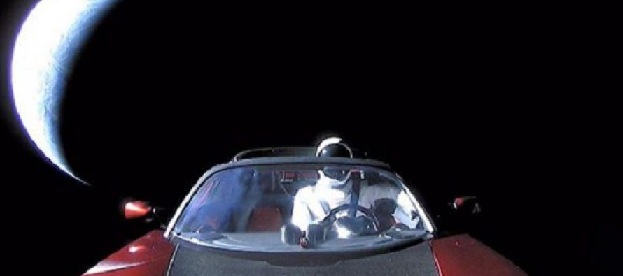 Ilon Mask sakrio je poruku u svom svemirskom autu