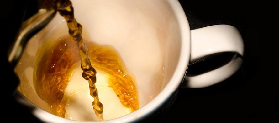Prati šoljicu od kafe na poslu ili ne? Odgovor će vas možda iznenaditi!
