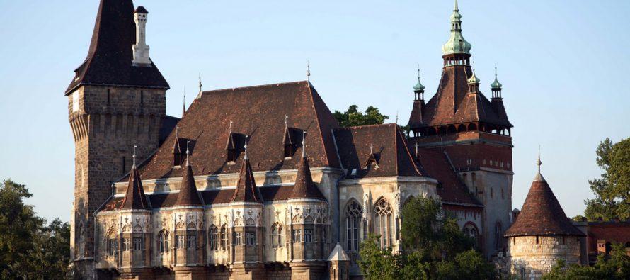 Šta se krije iza najlepšeg zamka u Budimpešti?