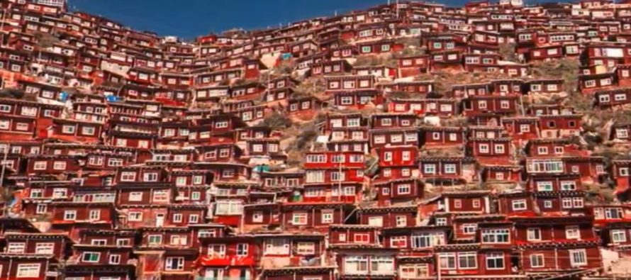 Upoznajte najveće budističko naselje!