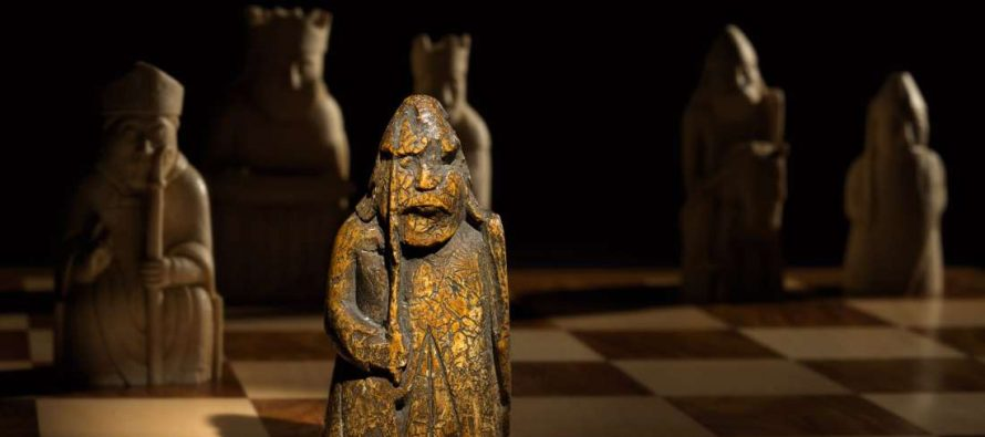 Prodata srednjovekovna figurica za šah godinama čuvana u fioci i to za milion dolara