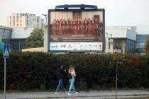 Fotografije najboljih učenika na bilbordima u Novom Sadu
