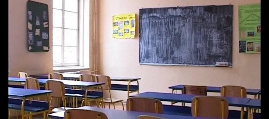 U više od 90 odsto škola danas bez štrajka!