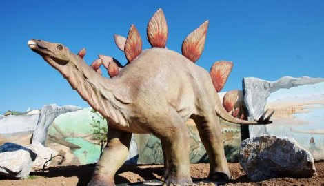dinosaurus-svidi