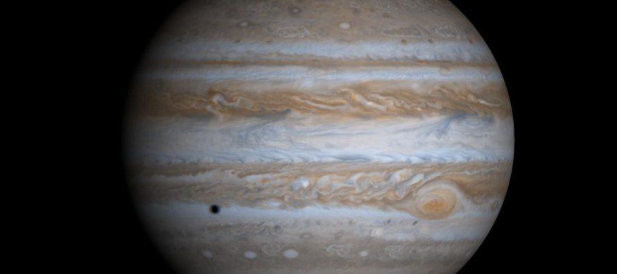 Nasa potvrdila: Na Jupiterovom mesecu Evropi ima vode!
