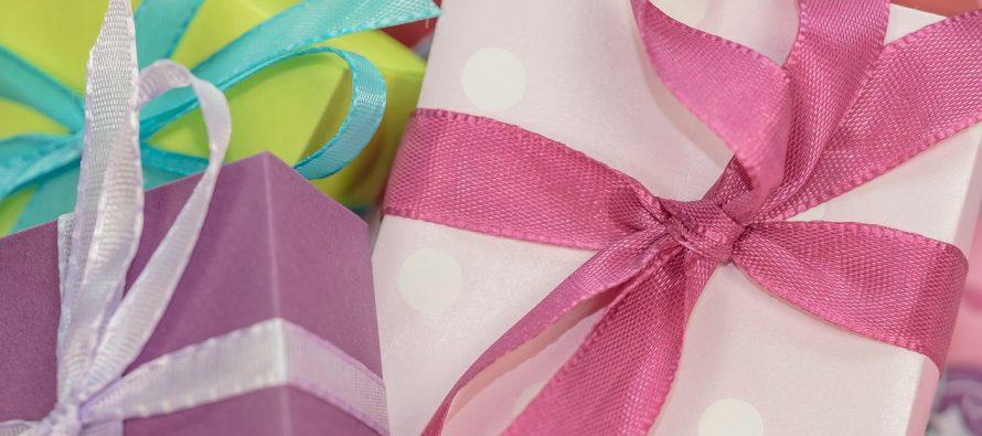 Da li treba nagrađivati dete poklonima?