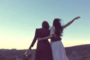 prijateljice-zagrljaj
