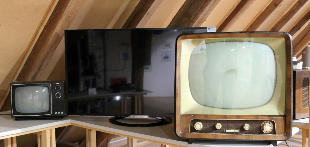 tv-629874_1920