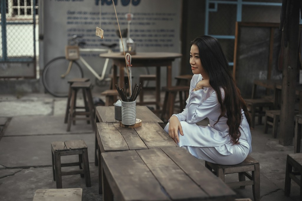 lepa azijska zena