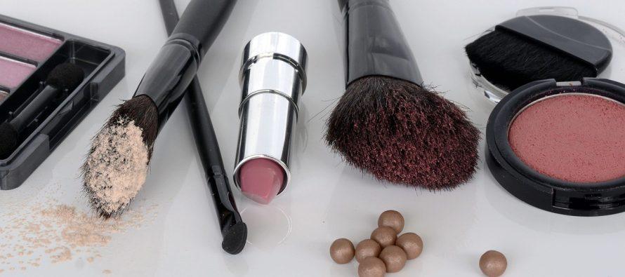 Kako skinuti mrlje od šminke?