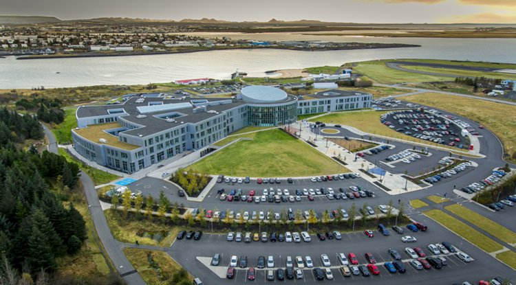 Islandski univerzitet