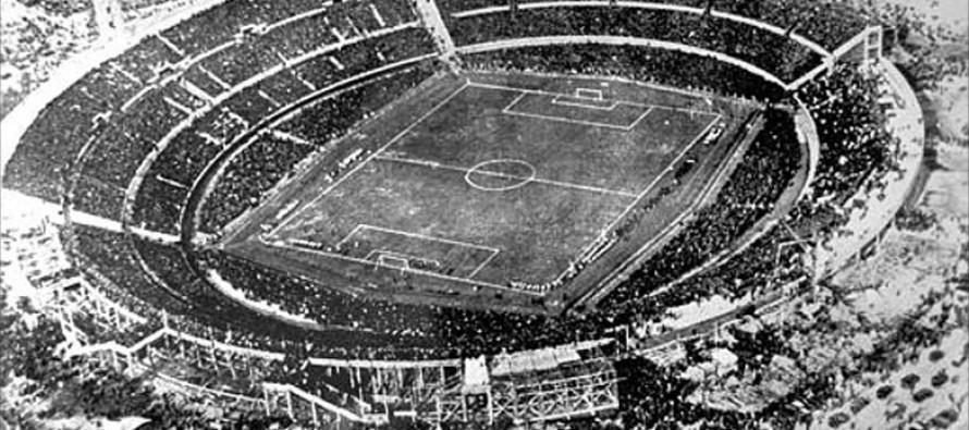 Na prvom Svetskom prvenstvu u fudbalu, kao jedna od 13 država učestvovala je i Jugoslavija sa svojom fudbalskom reprezentacijom