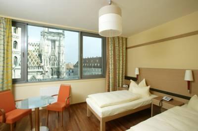 Soba sa pogledom na katedralu u hotelu Am Stephansplatz