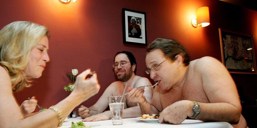 Gosti ovog restorana ne moraju da nose odeću