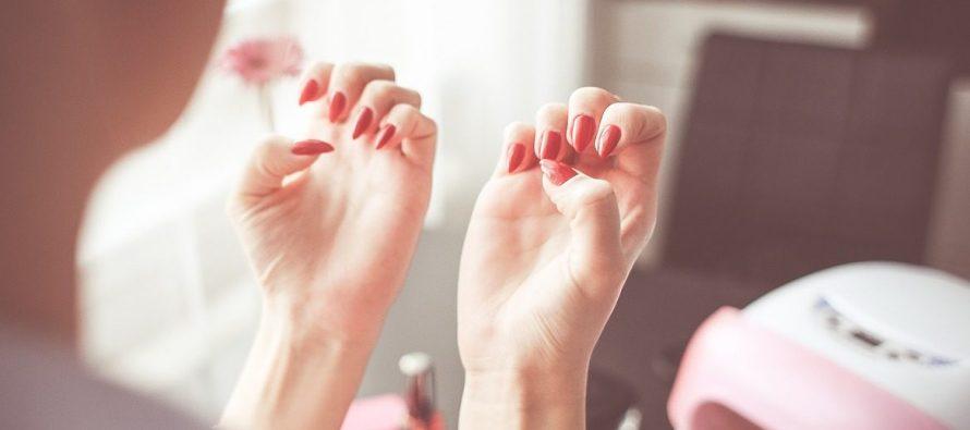 Jednostavan trik za čvrste nokte