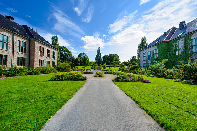 nacionalni-muzej-istorije-sa-botanickom-bastom