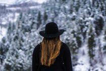 Kako da sačuvate kosu tokom hladnih dana?
