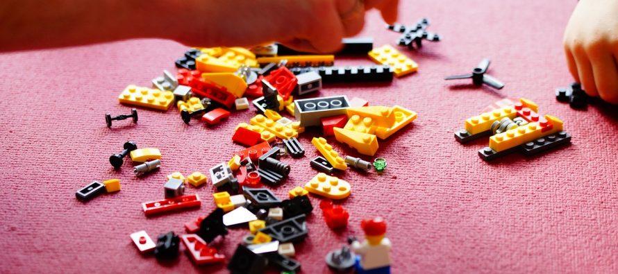 """Izložba """"Kockasti univerzum – Lego u Srbiji"""""""