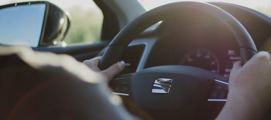 Ugasite muziku dok vozite!