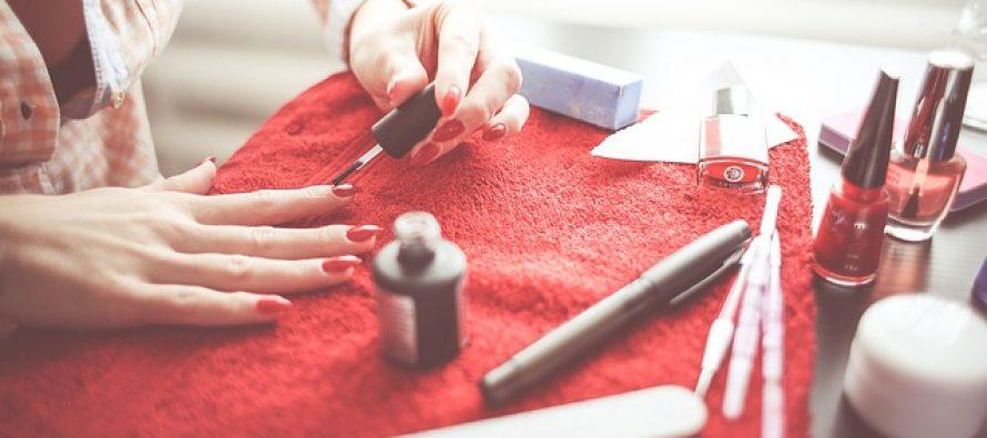 Trikovi za brže sušenje laka za nokte