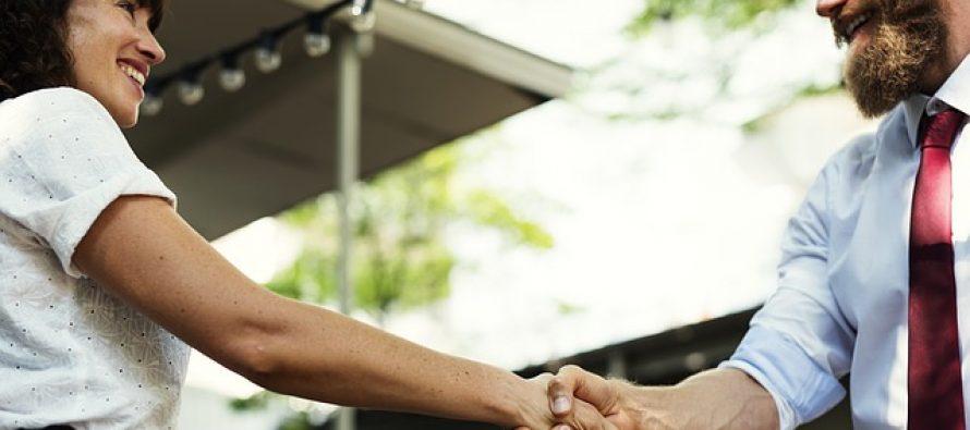 Kako da se dopadnete nekom pri prvom upoznavanju?