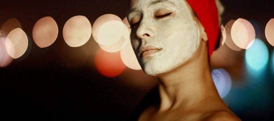 Nega kože lica zimi: Prirodne maske za lice