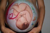 """Šta znači kada se beba """"rita"""" u stomaku?"""