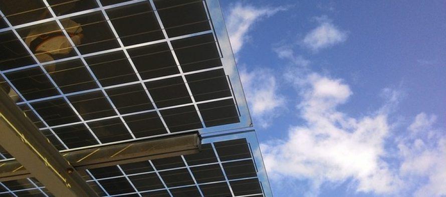 Prvi u svetu: U Kini napravljen deo autoputa sa solarnim panelima