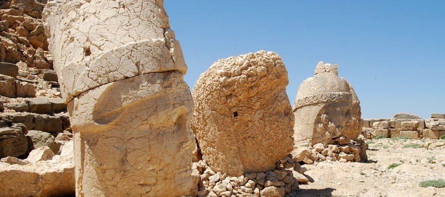 Ovo je mesto na kojem se bogovi i kraljevi pretvaraju u kamen