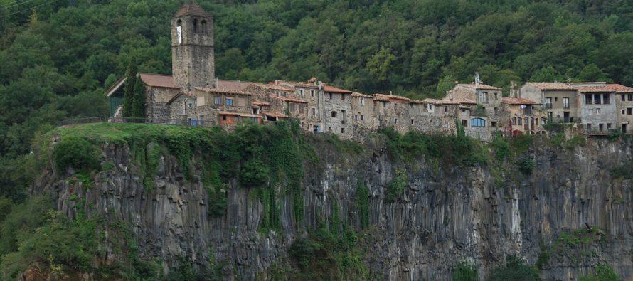 Selo na litici – opasno mesto za život?