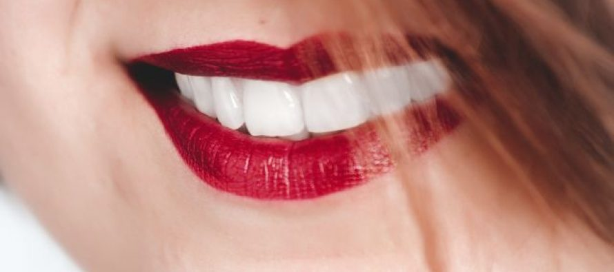 Kako je oralno zdravlje povezano s rizikom od Alchajmera?