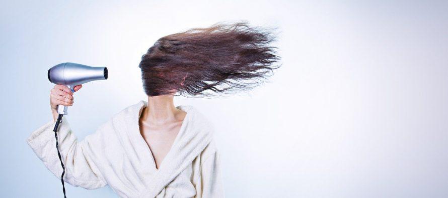Koliko je opasno spavati sa mokrom kosom?