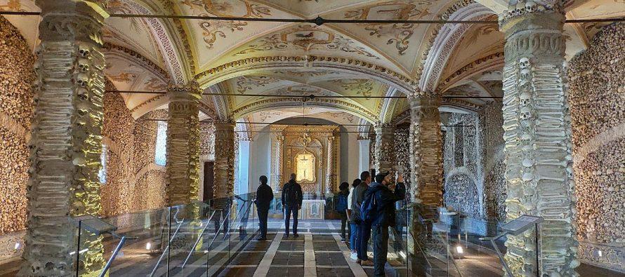 Capela dos Ossos ili kapela od kostiju!